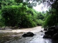 ラタナキリ・川