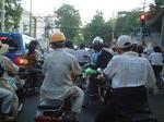 20060422ベトナムバイク多い.JPG