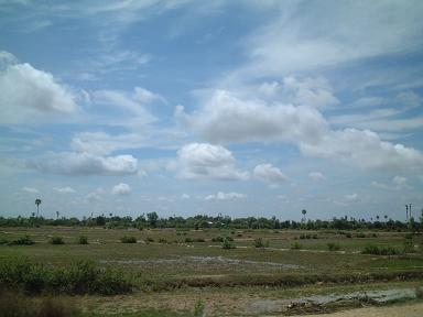 20060522田園風景と雲.JPG
