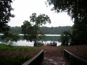 ヤックロム湖